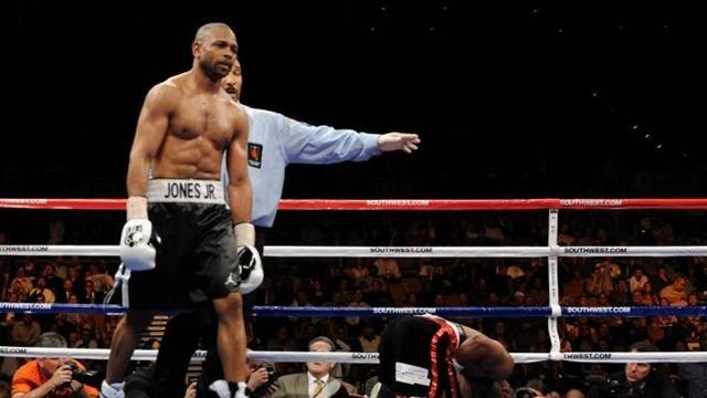 Boxing - Roy Jones Jr wants to fight veteran Steve Collins