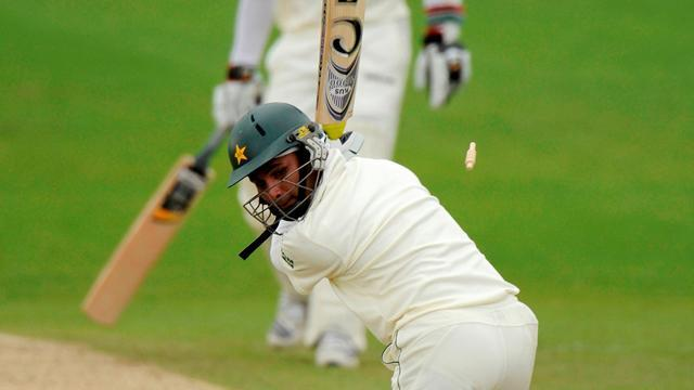 Cricket - Pakistan's batting struggles continue in South Africa