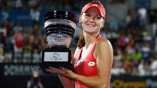 Tennis - Radwanska crushes Cibulkova to take Sydney title