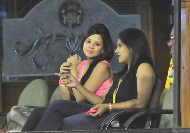 Chennai Super Kings captain MS Dhoni's wife Sakshi at Mohali stadium during the match between Kings XI Punjab and Chennai Super Kings on April 10, 2013. (Photo: IANS)