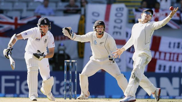 Cricket - New Zealand take field without Watling and Martin