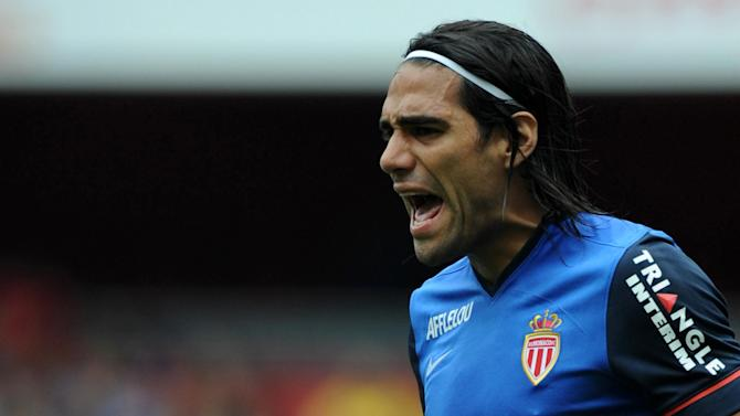 Liga - Falcao's dad won't rule out Real Madrid move