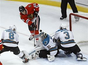 Blackhawks beat sliding Sharks 4-1