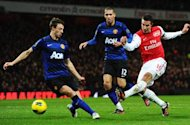 Rooney: Van Persie would be a great addition to Manchester United