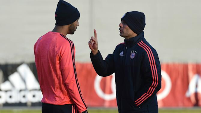 Guardiola doesn't communicate - Benatia
