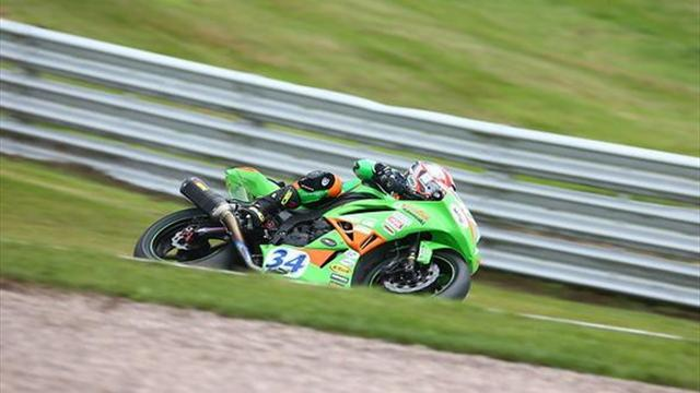 Superbikes - Oulton BSB: Seeley storms to fastest ever Supersport pole