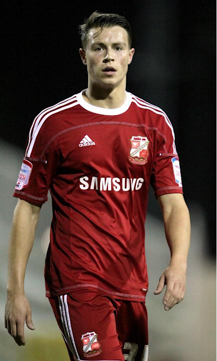 Billy Bodin has agreed his move from Swindon to Torquay