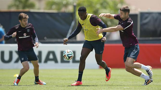 World Cup - Injury scare for England's Welbeck