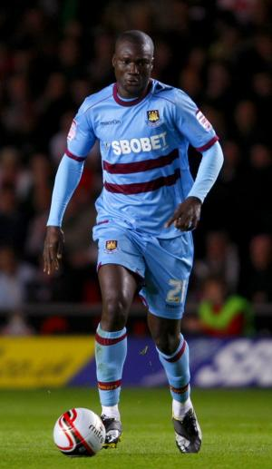 Papa Bouba Diop has passed a medical, but is waiting on a visa application