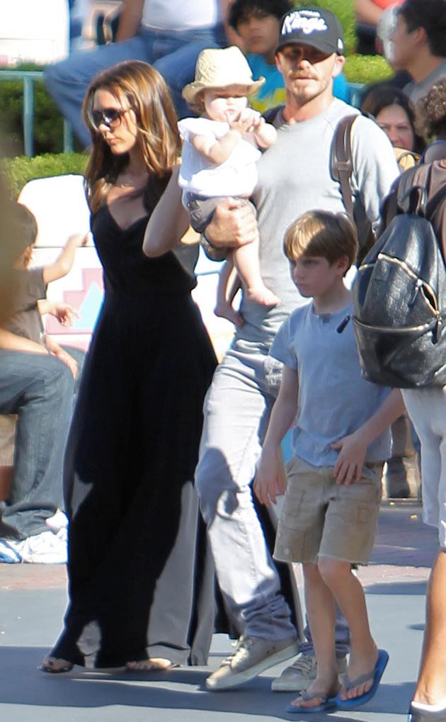 Harper Beckham, Disneyland, Victoria Beckham, David Beckham