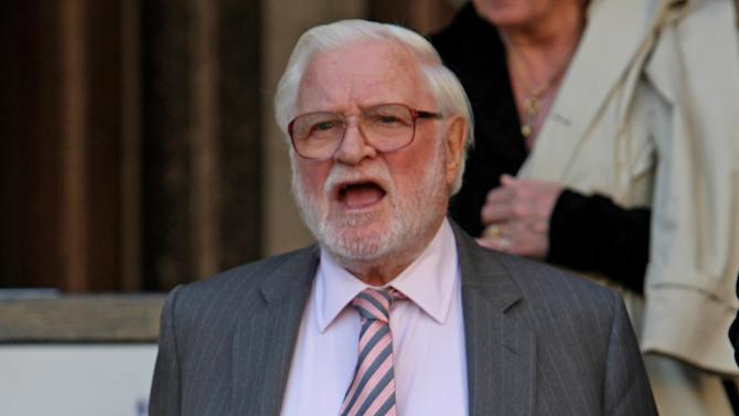 Leeds chairman Ken Bates is facing pressure from fans