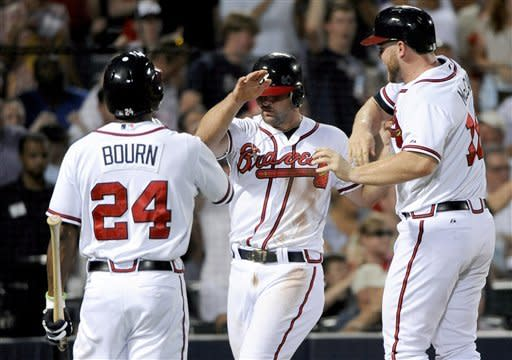 Heyward hits HR, Braves beat Marlins 8-2