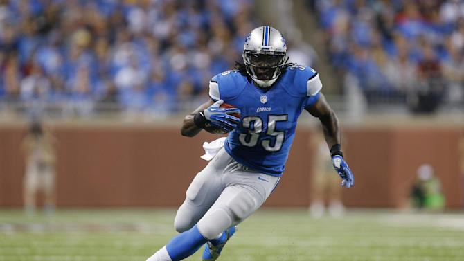 Lions keep TE Pettigrew after he tests market