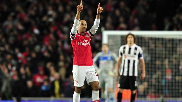 Premier League - Walcott treble as Arsenal beat Newcastle in 10-goal thriller