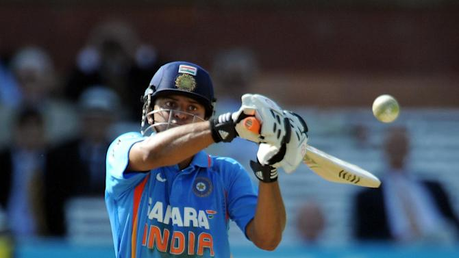 Suresh Raina, pictured, and Irfan Pathan put on an unbroken 92 for the sixth wicket as India beat Sri Lanka
