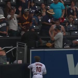 Cruz's two-run homer