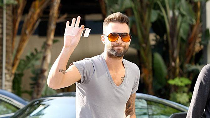 Levine Adam Lakers Game