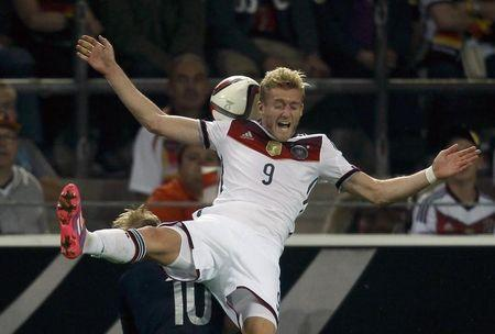 Wolfsburg sign Germany winger Schuerrle from Chelsea