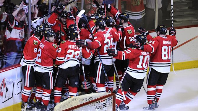 Ice Hockey - Blackhawks still alive after topping Kings in double OT