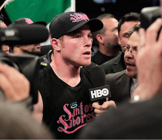 Canelo Alvarez knocks out James Kirkland in 3rd round