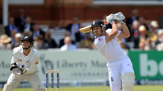 Cricket - Investec Test Series - First Test - Day One - England v New Zealand - Lords