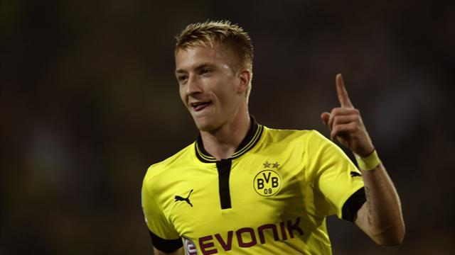 Bundesliga - Reus 'not thinking at all' about potential Man United move