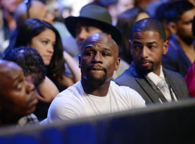 LOS ANGELES, CA - JANUARY 23: Boxer Floyd Mayweather Jr. attends the Danny Garcia and Robert Guerrero WBC championship welterweight bout at Staples Center January 23, 2016 in Los Angeles, California. (Photo by Kevork Djansezian/Getty Images)