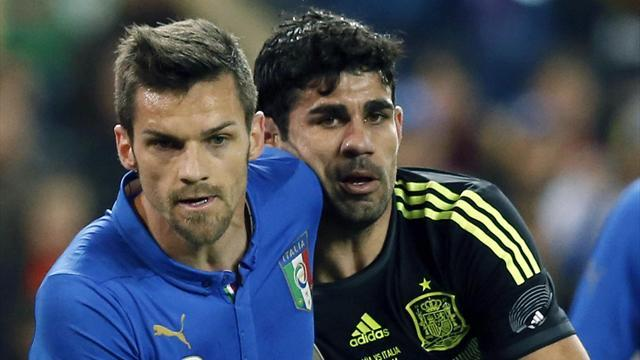 World Cup - Costa draws blank as Spain labour to win over Italy