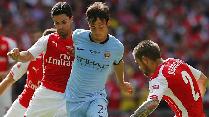 Premier League - David Silva signs long-term deal with Manchester City