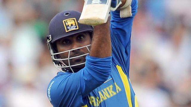 Jayawardene gives up T20 captaincy