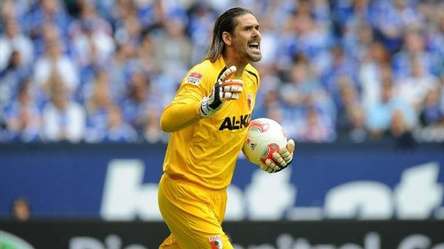 Augsburg keeper Jentzsch sidelined by hand injury