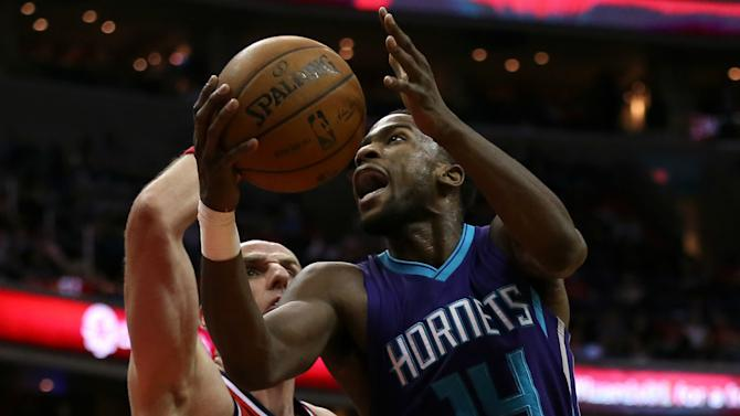 Kidd-Gilchrist hurt as Hornets win in pre-season
