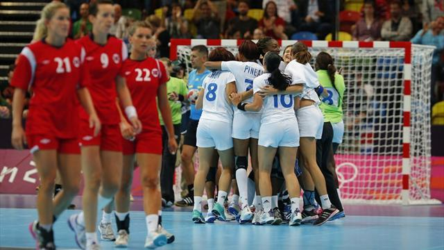 France stun Norway in Olympic handball opener