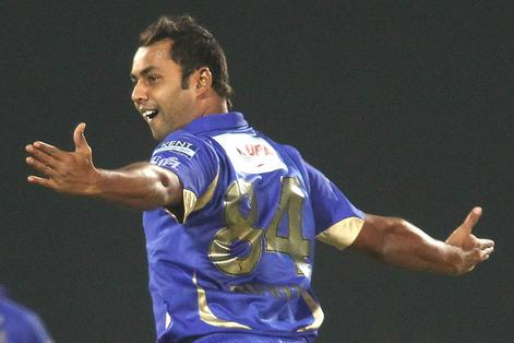 Stuart Binny of Rajasthan Royals celebrates after bowling Kieron Pollard of Mumbai Indians during match 23 of the Pepsi Indian Premier League (IPL) 2013 between The Rajasthan Royals and the Mumbai Ind