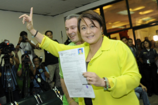 Former senator Maria Ana Consuelo 'Jamby' Madrigal files her certificate of candidacy at the Commission on Elections (Comelec) office in Intramuros, Manila Oct. 4. (Angela Galia, NPPA Images)