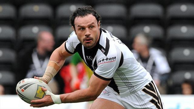 Rugby League - Clarke extends Widnes stay