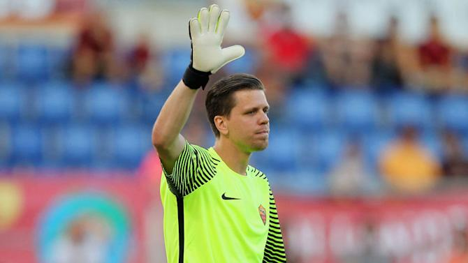 VIDEO: Szczesny Makes a Total Fool of Himself With Howler as Roma Crash out of Champions League