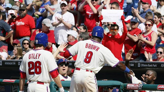 Utley has 3 hits, HR gives Phils win over Marlins