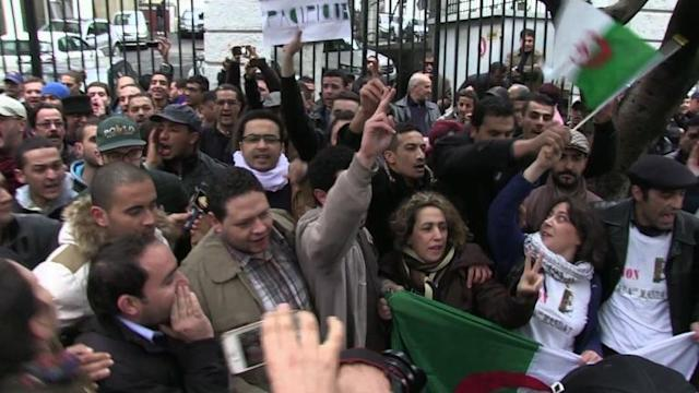 New anti-Bouteflika group livens up Algeria campaign