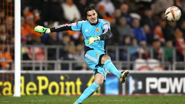 Goalkeeper Eldin Jakupovic needed lengthy treatment on the pitch for a facial injury