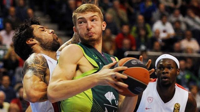 Basketball - Unbeaten Euroleague trio advance to Top 16