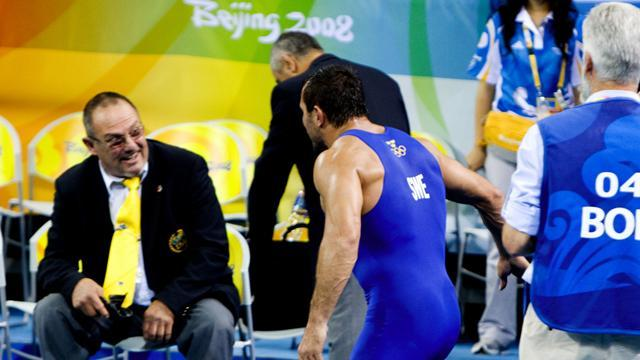 Abrahamian stripped of medal