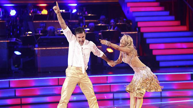 """Kym Johnson and David Arquette perform on """"Dancing With the Stars."""""""