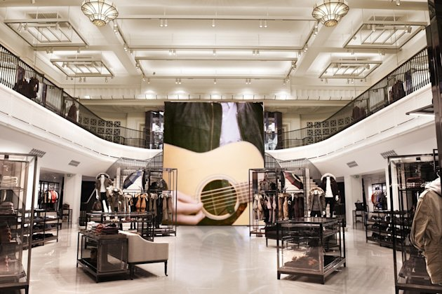 Burberry Launches Biggest Store EVER On Regent Street - And The Spring Summer 2013 Show Will Live Stream From Inside!
