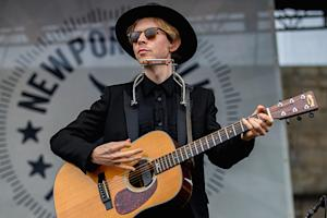 Beck Finds Clarity in 'Waking Light'