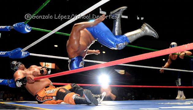 Campeonato-Mundial-de-Parejas--Mr--Niebla-vs-Diamante-Azul