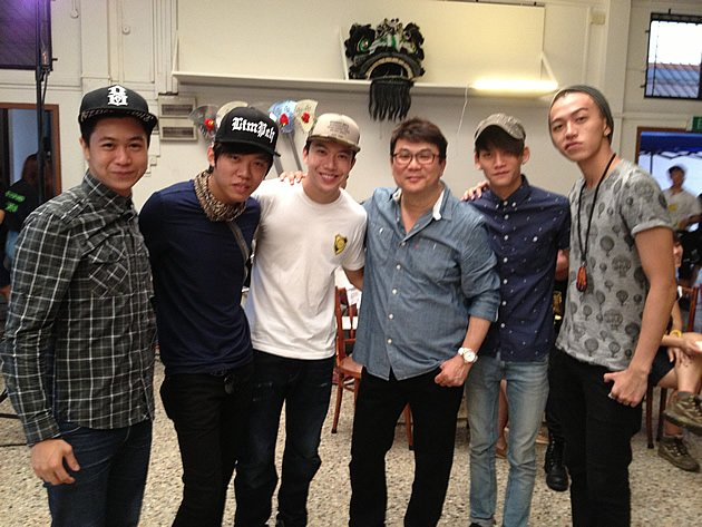 """Five of the """"Ah Boys"""" cast will be involved in """"The Lion Men"""": (from left) Maxi Lim, Wang Wei Liang, Charlie Goh, director Jack Neo, Noah Yap and Tosh Zhang. (Yahoo! photo)"""