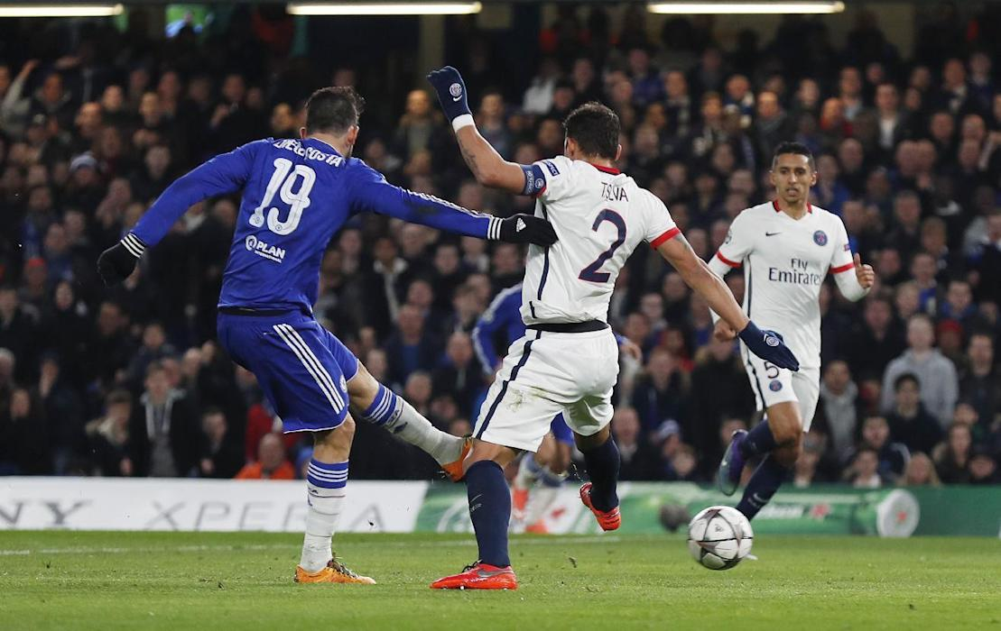 Diego Costa scores the first goal for Chelsea