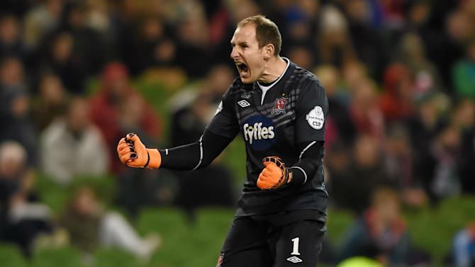 Dundalk goalkeeper Gary Rogers called into Ireland squad