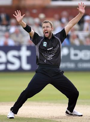 Daniel Vettori has made himself available for selection for the T20 World Cup